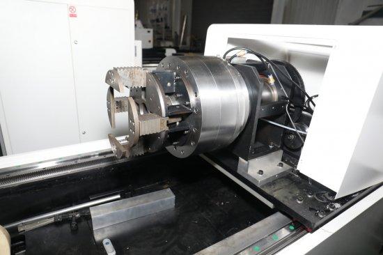 3D tubular cutting laser chuck