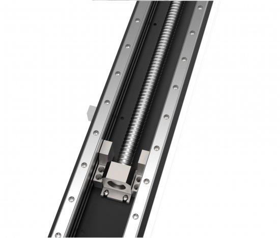 Řezací laser a               zdvojené lineární vedení