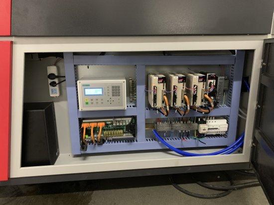 Elektronika řezacího laseru