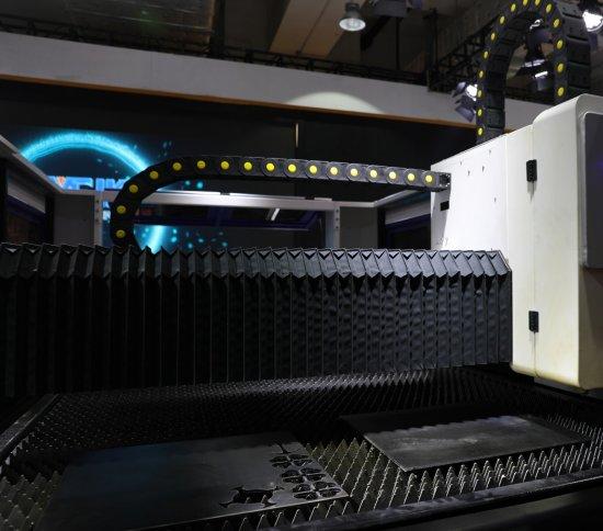 Hlavní pracovní plocha CNC laseru