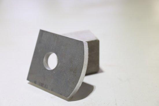 Vzorek               hliníku z řezacího laseru